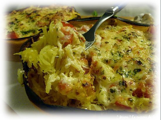 recette Courge Spaghettis gratinées aux tomates sauce crémeuse à l'ail