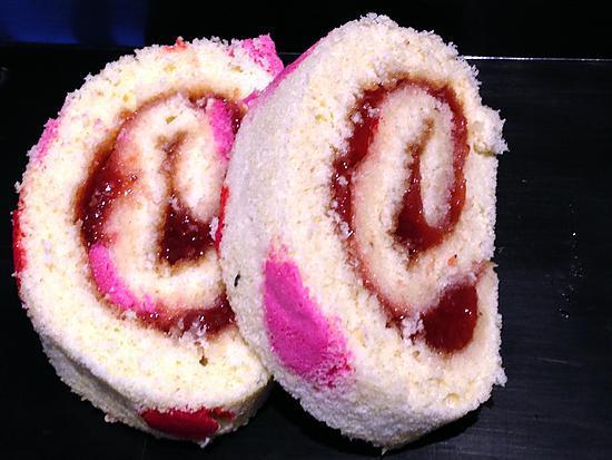 recette Gâteau roulé imprimé à la fraise -thermomix-