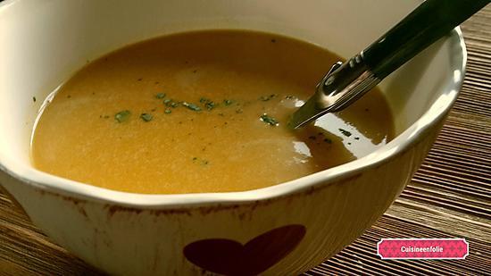 recette Soupe butternut, carottes, gingembre lait de coco et guaram massala