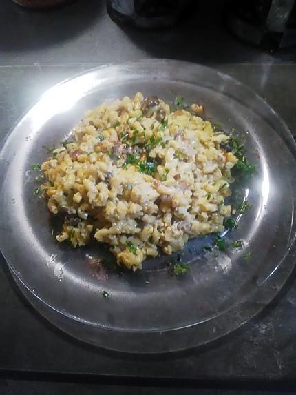 recette Omelette aux  coquillettes.. petits champignons et ciboulette .... .