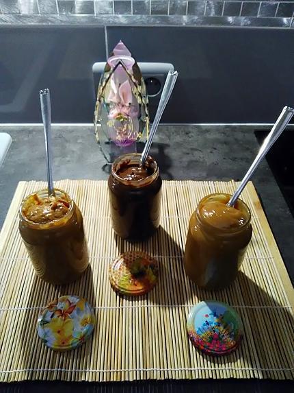 """recette Douceur de lait   express aux trois parfums  ... caramel ...  chocolat ... pralin d'amandes """" pistaches"""