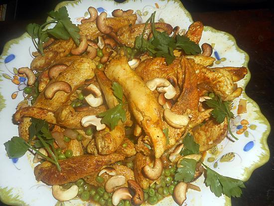 recette Filets de poulet aux noix de cajou et petit pois