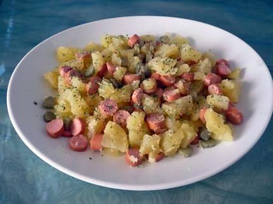recette de salade ps de terre persill es knackis cornichons. Black Bedroom Furniture Sets. Home Design Ideas