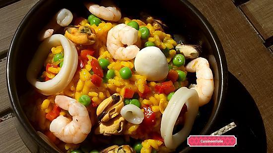 recette Risotto aux fruits de mer, poivrons, petits pois, curcuma et épices à paella
