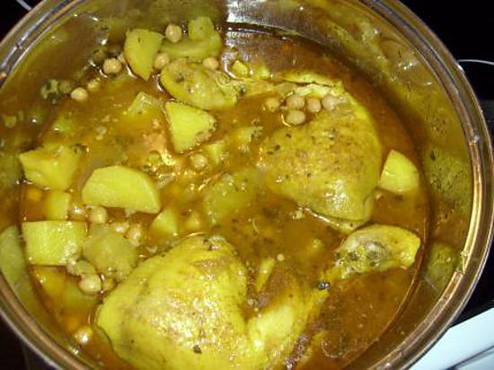 recette Tajine de poulet aux amandes et au pois chiches