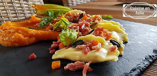 recette Ravioles aux bolets, pancetta, crème de courge et fleurs de courgettes