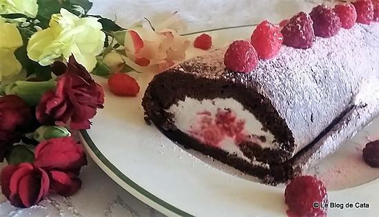 recette Roulé au chocolat & chantilly, fève tonka et framboises