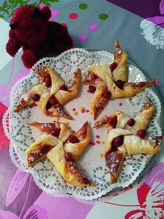 recette Petites ailes de moulins au coeur vanillée  zeste de citron et  confiture de framboise .....