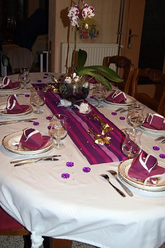 recette Pliage de serviette fleur de lys et table de nouvel an (thème violet/blanc)