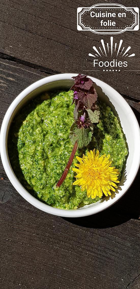 recette Pesto d'orties, pissenlits, persil et noix de cajou torrefiées