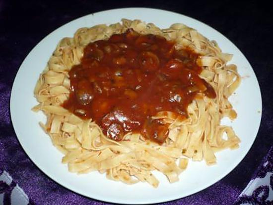 recette de tagliatelles sauce tomate champignons. Black Bedroom Furniture Sets. Home Design Ideas