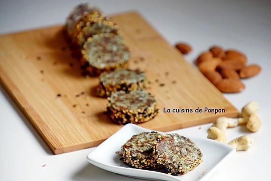recette Barre énergétique aux poires séchées, noix de cajou, amande et spiruline, vegan