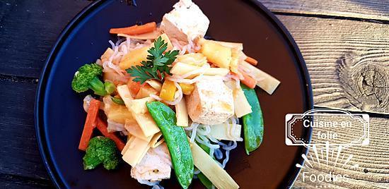recette Wok de tofu sucré-salé à l'ananas ( recette très façile et rapide )