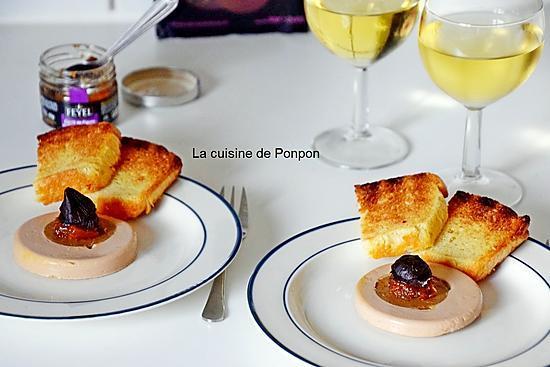 recette Tranche de foie gras de canard et son coeur de figue garni d'ail noir