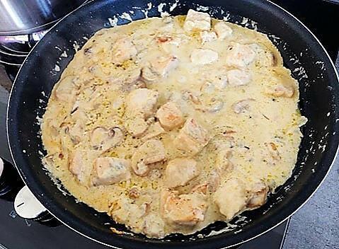 recette Escalopes de poulet à la créme de roquefort