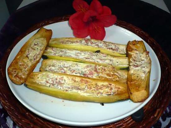 Recette de courgettes bacon boursin ail et fines herbes - Courgette boursin cuisine ...