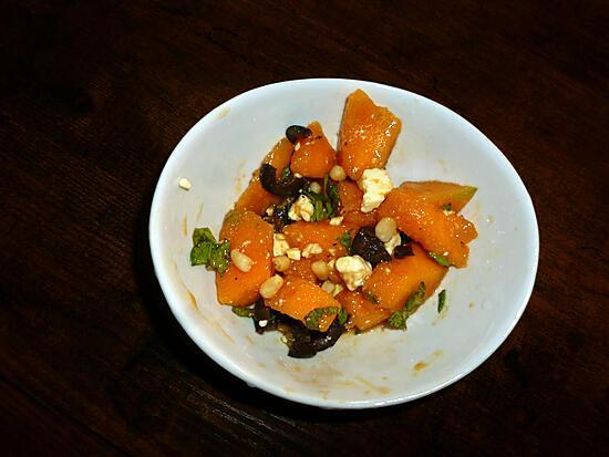 recette Salade de melon, olives, fêta, pignons