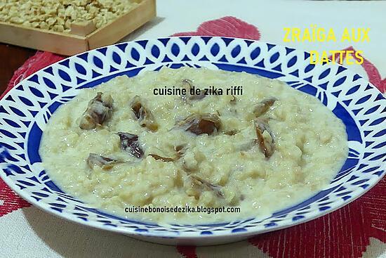 recette Zrayga b degla-Emietté de galette au lait et aux dattes ( chakhchoukha sucrée aux dattes )