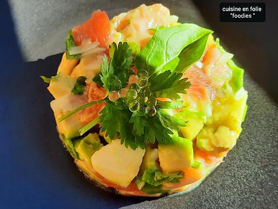 recette Tartare de saumon pamplemousse avocat pomme et perles de yuzu ( sans gluten ,express et pas cher!..)