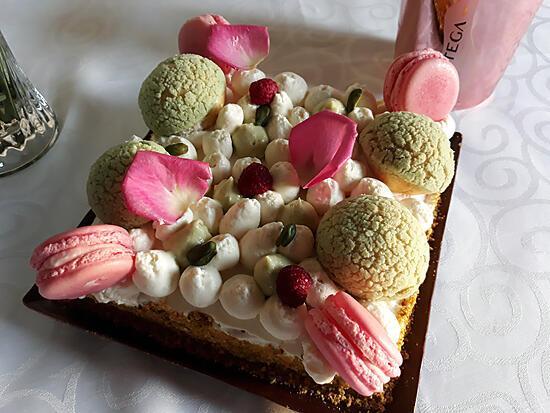 recette Mon gâteau d'anniversaire (pistache, rose, framboise)