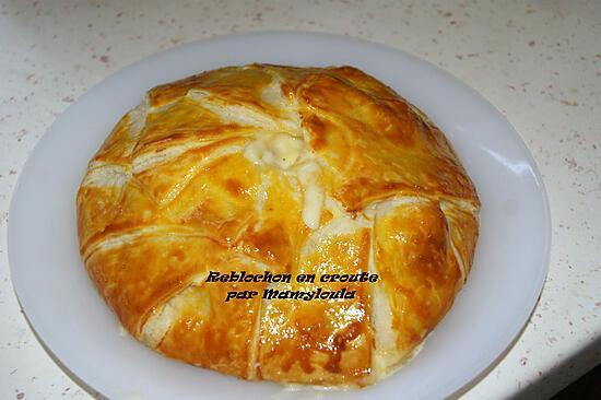 recette Reblochon en croute, lardons, oignons, pommes de terre.