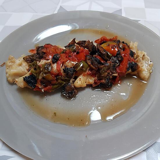 recette Papillote de cabillaud aux tomates, aux poivrons et aux champignons
