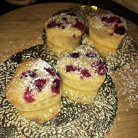 recette Gâteau au chocolat blanc, framboise et compote de pomme