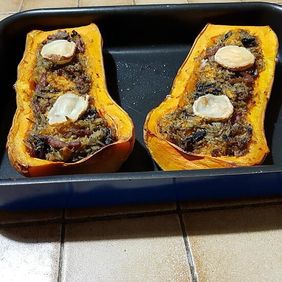 recette Butternut farcie aux champignons, aux lardons et au riz