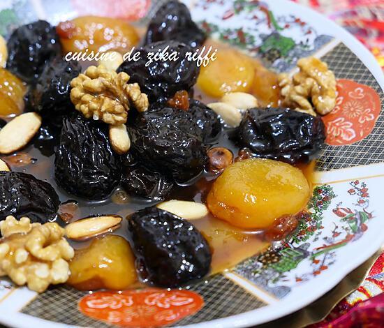 recette Marka hlouwa 3ayn bakra-tajine sucré salé aux pruneaux, raisins secs et abricots à l'agneau