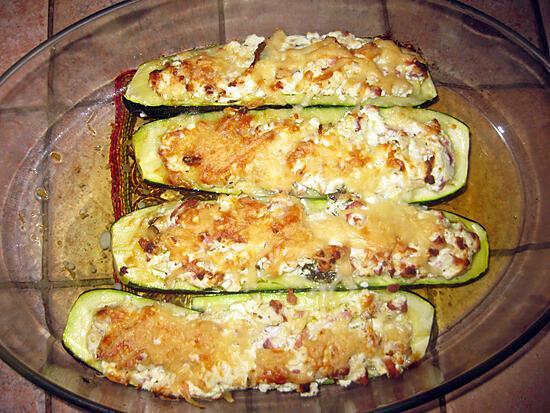 recette Courgettes farcies à la ricotta et aux lardons