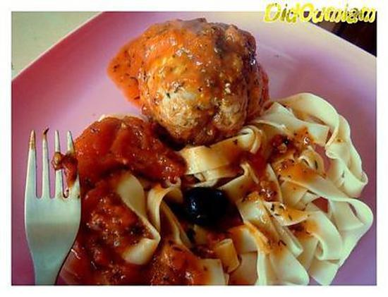 recette Paupiettes de porc cocotte aux tagliatelles , sauce tomate & olives