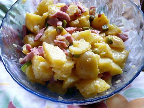 recette de salade de pommes de terre par calinou. Black Bedroom Furniture Sets. Home Design Ideas