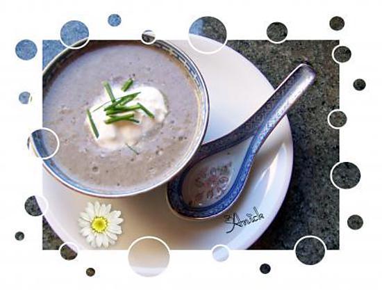 recette potage velouté aux champignons de paris,  ail et ciboulette