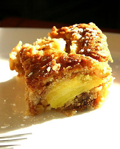 recette de g teau au muesli et pommes caram lis es au pastis. Black Bedroom Furniture Sets. Home Design Ideas