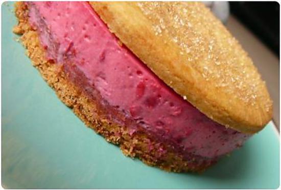 """recette """"Macarons"""" bretons, bavarois framboise et coeur coulant"""