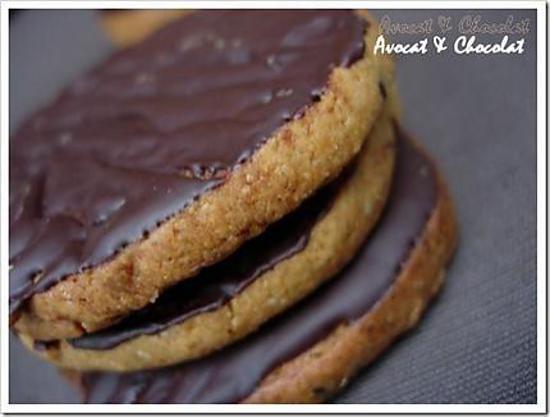 recette de biscuits sabl s quinoa c r ales et graines napp s de chocolat des granolas. Black Bedroom Furniture Sets. Home Design Ideas
