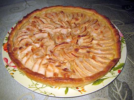 recette tarte aux pommes sur une crème pâtissière