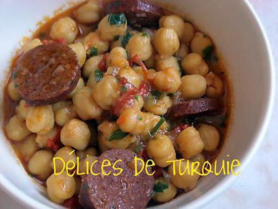 Recette de pois chiches au sucuk turc ou chorizo - Recettes de cuisine turque ...
