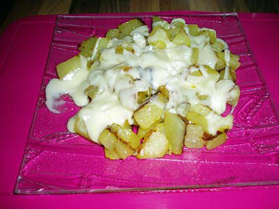 recette de pommes de terre roti avec du fromage fondu richemont pot mettre 2mn au micro onde. Black Bedroom Furniture Sets. Home Design Ideas