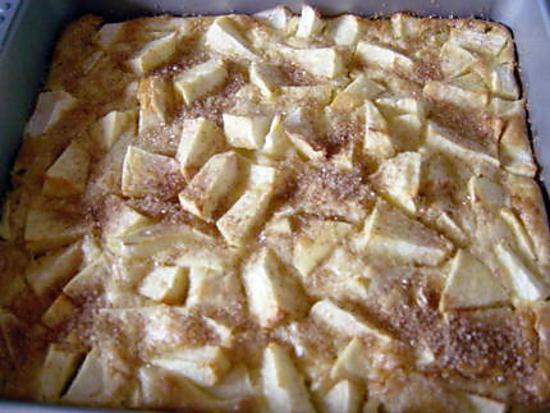 recette Gâteau aux pommes simple et excellent (PREPA 10mns)