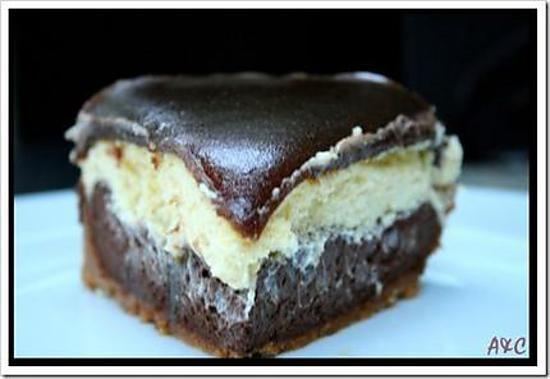 recette de cheesecake au chocolat noir au chocolat blanc et miroir de caramel au beurre