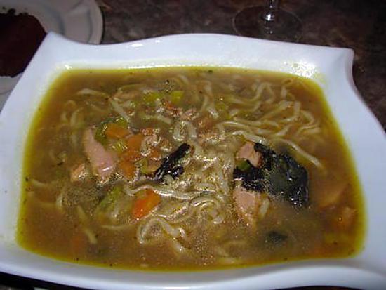 Recette de petite soupe japonaise au poulet - Recette soupe japonaise ...
