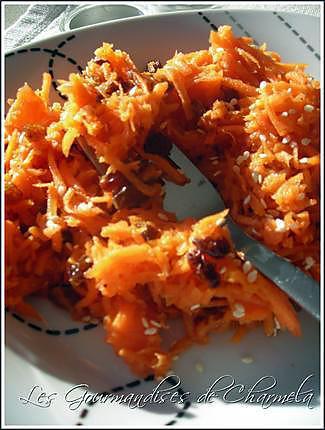 recette Carottes rapées aux raisins, orange et cannelle