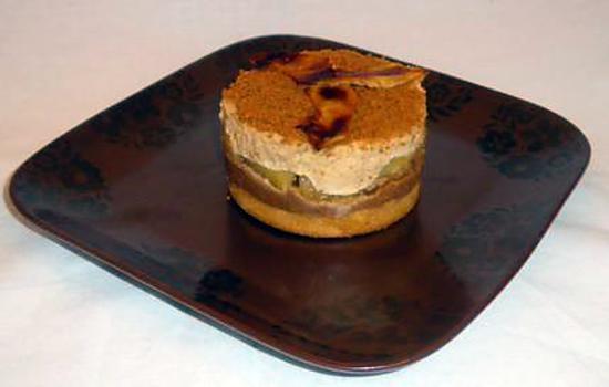 recette Spéculoos'addict : base biscuitée aux spéculoos, pâte de spéculos, mousse spéculos et cœur fondant aux pommes.