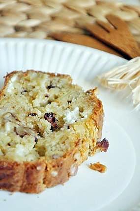 recette Cake au fromage de chèvre, noix et oignon caramélisé
