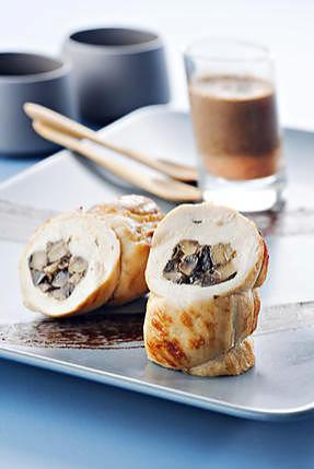 recette Cannellonis de Poulet Fermier d'Auvergne aux champignons de Paris, lait d'olives noires et purée de tomate