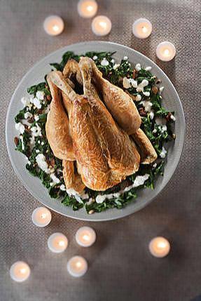 recette Chapon Fermier d'Auvergne Label Rouge simplement rôti, florentine d'épinards aux raisins et aux pignons de pins, émulsion de riz basmati au lait de coco