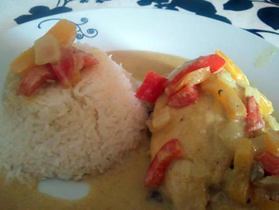 Recette de poulet au lait de coco et curry au wok - Poulet au curry et lait de coco ...