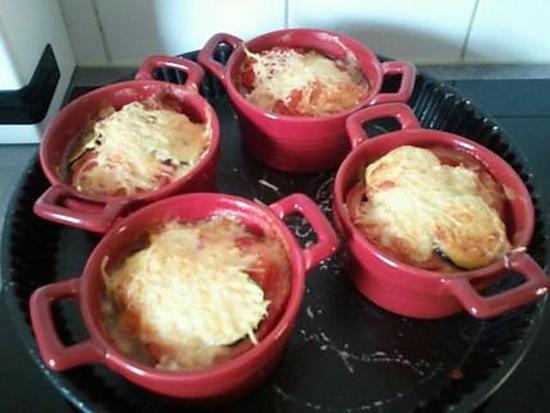recette de mini cocotte de gratin de courgettes tomate et mozzarella. Black Bedroom Furniture Sets. Home Design Ideas