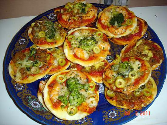 recette de mini pizza saumon crevette brocoli. Black Bedroom Furniture Sets. Home Design Ideas